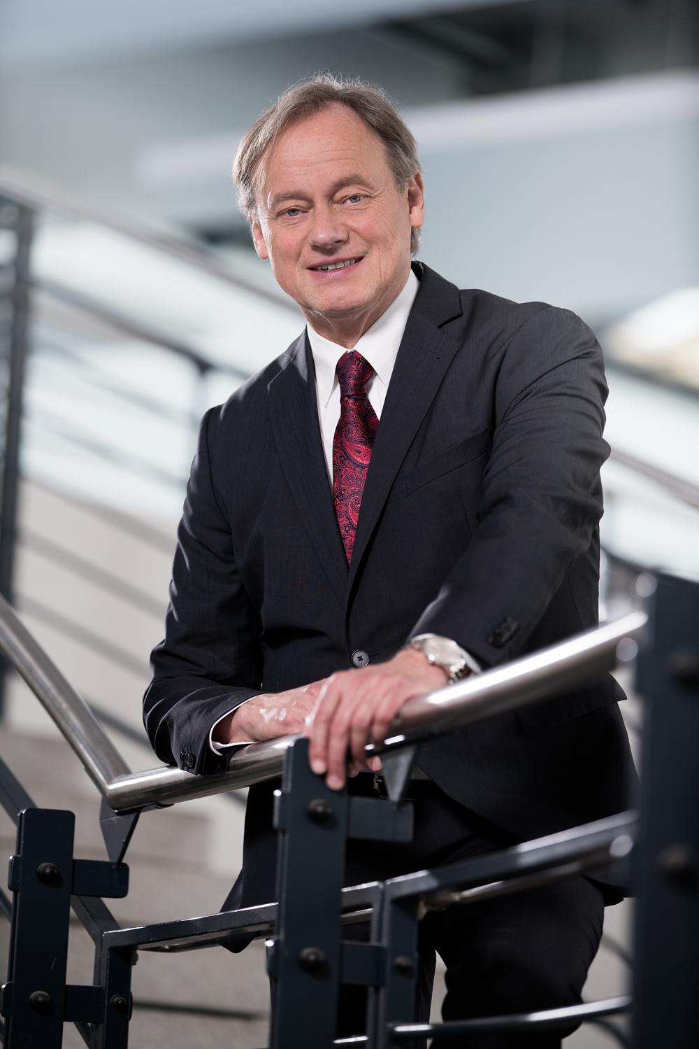 Prof. Dr. Hartmut Ihne | Vorstandsmitglied